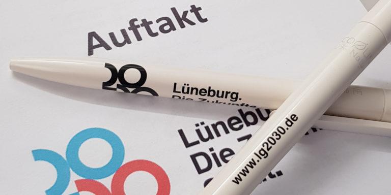 Die Kugelschreiber der Zukunftsstadt bestehen zu 90% aus Holz. Foto: Zukunftsstadt Lüneburg